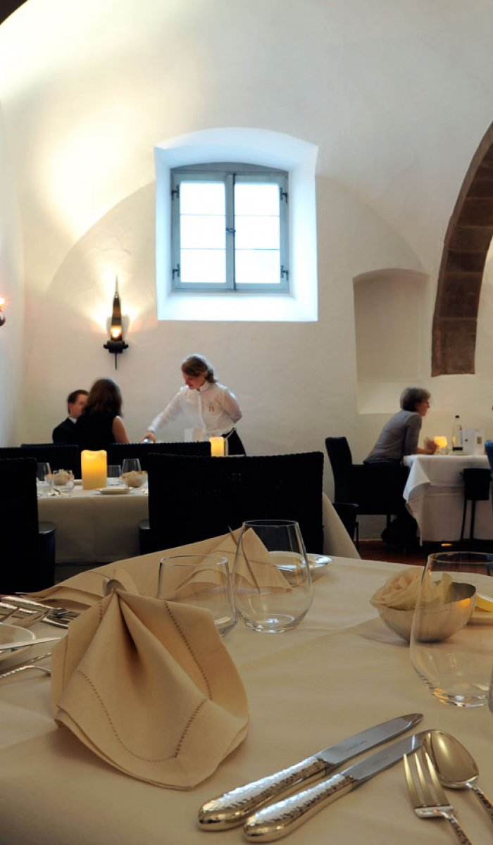 Days of fine dining:<br>SEVEN COURSES - FINE WINES