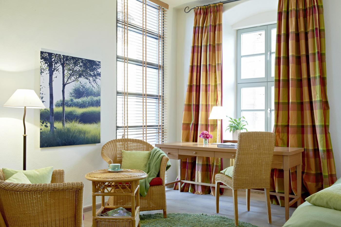 bildergalerien und videos des hotel kloster hornbach. Black Bedroom Furniture Sets. Home Design Ideas